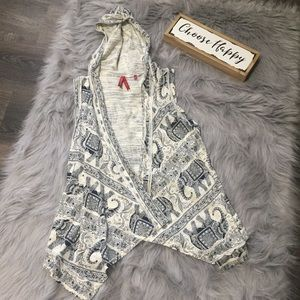 💟 3/$20 Red Camel elephant print hooded cardigan